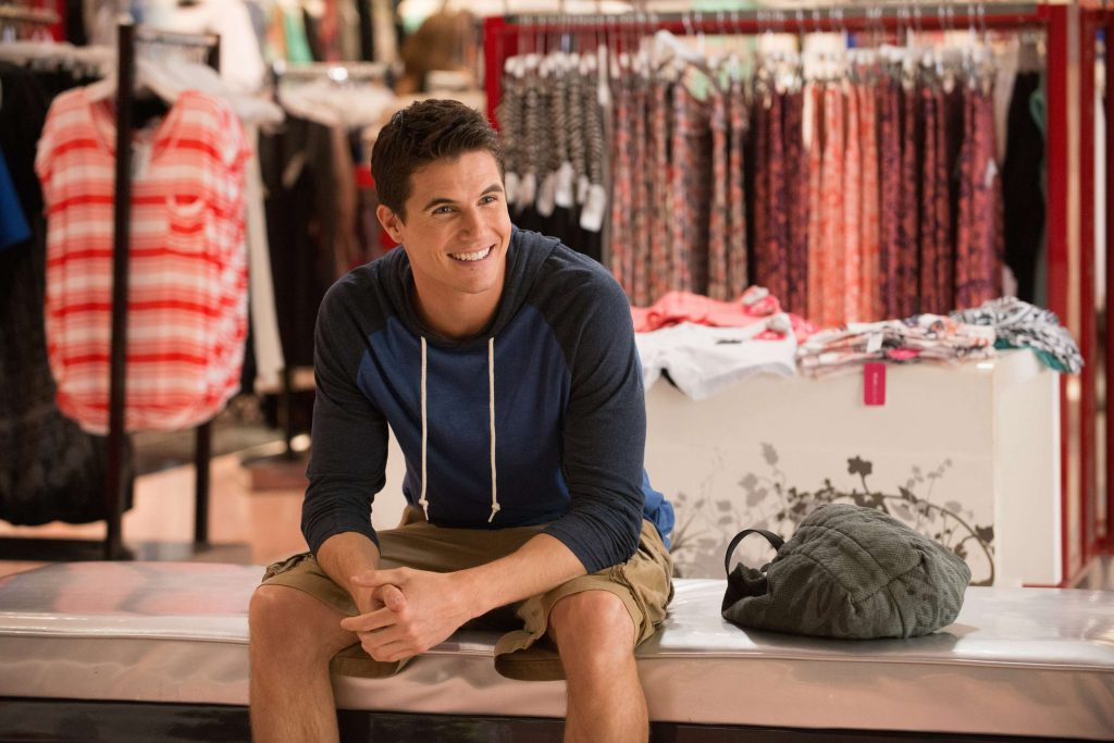 Robbie Amell Workout Duff