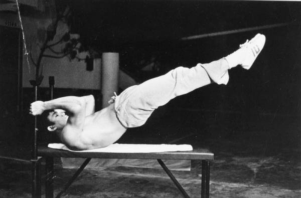 Bruce Lee Ab Workout Dragon Flag